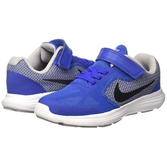 buy online cd4d3 1ca42 Nike Revolution 3 (PSV) Kids Running Shoe Sneaker